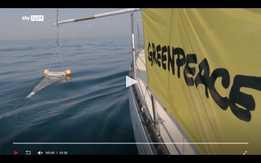 Plastica in mare: il video di Greenpeace
