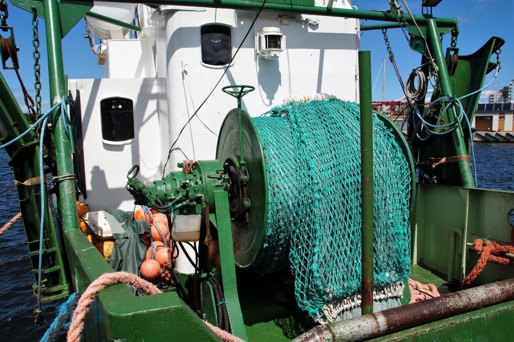 Pesca a strascico: responsabile di un miliardo di tonnellate l'anno di CO2