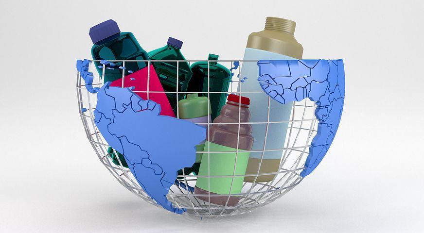 Rifiuti di plastica: il video-denuncia di Greenpeace