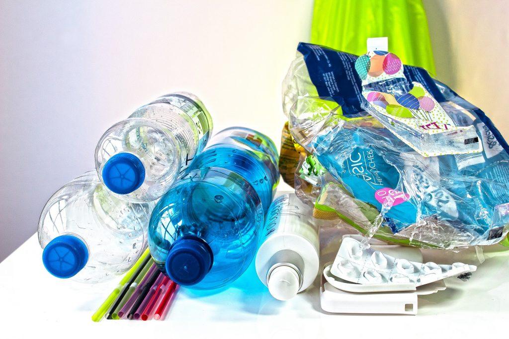 Fermare la produzione di plastica vergine dal 2040: è l'appello di un gruppo di scienziati.