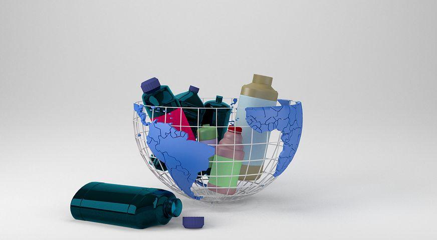 Il riciclo della materia plastica diventa arte
